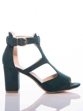 Zielone sandały Sabatina z ozdobnie wycinaną cholewką, na grubym słupku