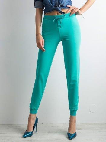 Zielone spodnie dresowe z troczkami