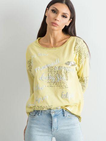 Zielono-żółta bluzka z nadrukiem i aplikacją