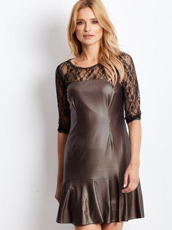 Złota sukienka z koronkowymi rękawami