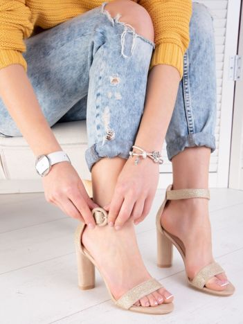 Złoty połyskujące sandały na wysokim słupku z eco zamszu