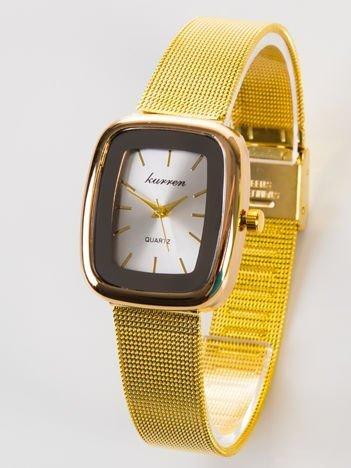 Złoty zegarek damski z prostokątną tarczą na bransolecie typu MESH