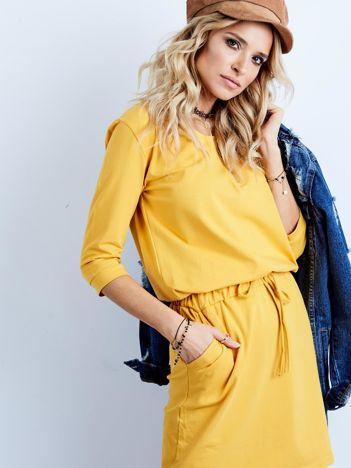 Żółta bawełniana sukienka z kieszeniami