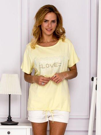 Żółta bluzka z błyszczącym napisem LOVE