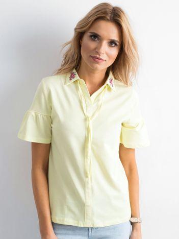 Żółta bluzka z kołnierzykiem