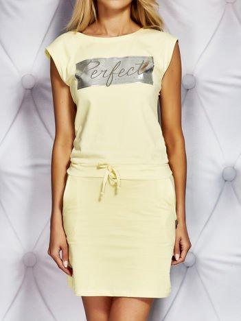 Żółta sukienka dresowa z napisem PERFECT