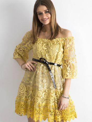 Żółta sukienka hiszpanka z koronką