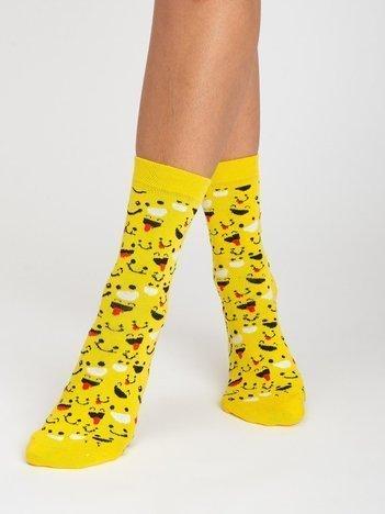 Żółte skarpety damskie we wzory