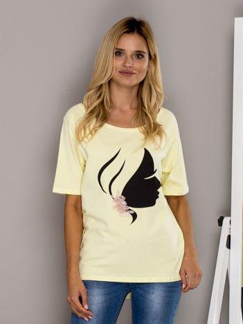 Żółty t-shirt z kobiecym profilem