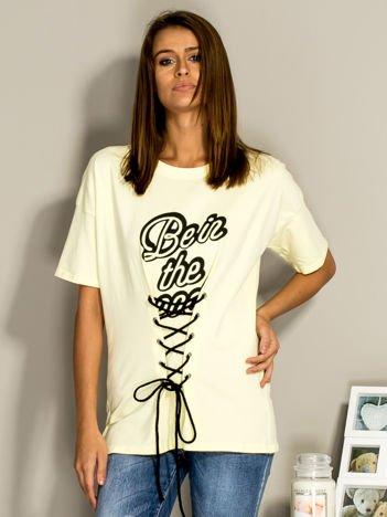 Żółty t-shirt ze sznurowaniem