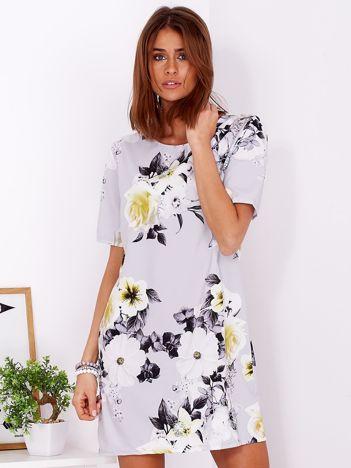Zwiewna jasnoszara sukienka w kwiaty