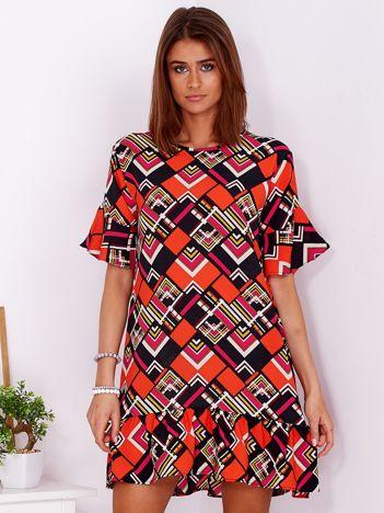 Zwiewna wzorzysta sukienka z falbaną na dole