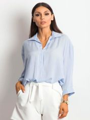 Niebieska bluzka o luźnym kroju