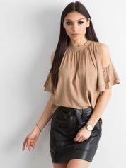 Beżowa bluzka damska z wycięciami na ramionach