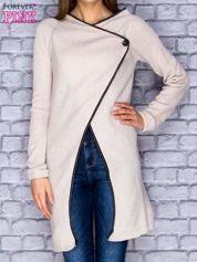 Beżowy drapowany sweter