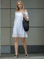 Biała koronkowa sukienka hiszpanka