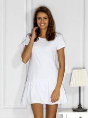 Biała sukienka z wycięciem z tyłu i perełkami