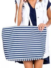 Biała torba w marynarskie paski