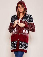 Bordowy sweter z kapturem w norweskie wzory