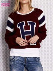 Bordowy sweter z literą H