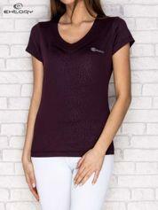 Ciemnofioletowy t-shirt o tłoczonej fakturze PLUS SIZE