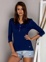 Ciemnoniebieska bluzka w drobny ażurowy wzór z guzikami