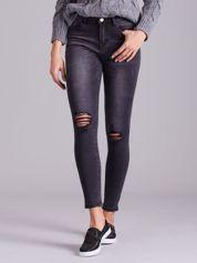 Ciemnoszare jeansy z przetarciami