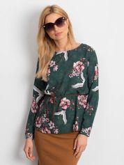 Ciemnozielona bluzka w kolorowe desenie