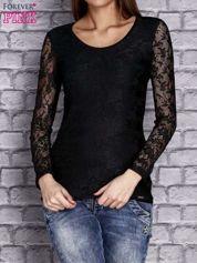 Czarna bluzka z ażurowymi rękawami