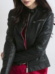Czarna kurtka damska biker w motocyklowym stylu