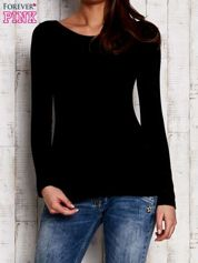 Czarna prążkowana bluzka