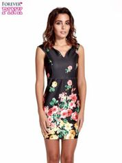 Czarna sukienka z kwiatowym nadrukiem