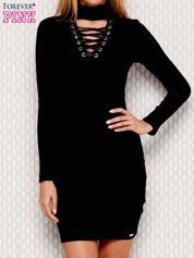 Czarna sukienka ze sznurowanym dekoltem