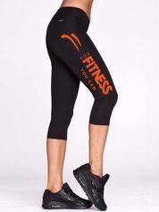 Czarne krótkie legginsy do biegania ze sportowym nadrukiem
