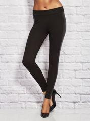 Czarne legginsy ze skórzanymi lampasami