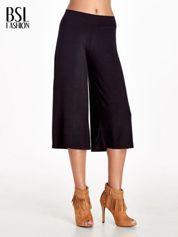 Czarne spódnicospodnie typu culottes