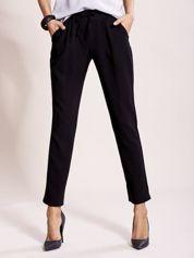 Czarne spodnie joggersy z troczkami