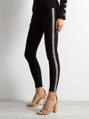 Czarne spodnie skinny z lampasami