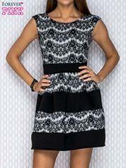 Czarno-biała sukienka z nadrukiem koronki