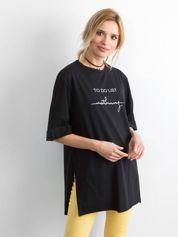 Czarny długi t-shirt z napisem