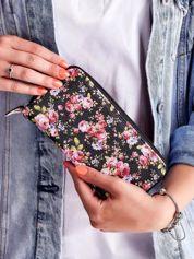 Czarny portfel na suwak z kwiatowym nadrukiem