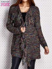 Czarny sweter z frędzlami i kolorowym splotem