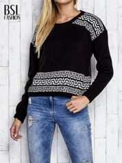 Czarny sweter z geometrycznymi splotami