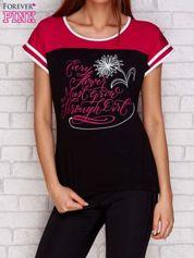 Czarny t-shirt z tekstowym nadrukiem