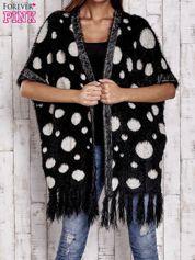 Czarny włochaty sweter w grochy