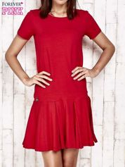 Czarwona sukienka dresowa z kokardami z tyłu