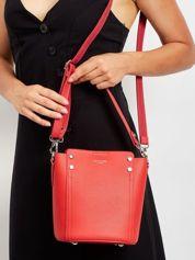Czerwona torba z odpinanym uchwytem
