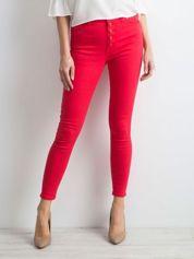 Czerwone jeansy high waist