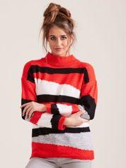 Czerwony wzorzysty sweter