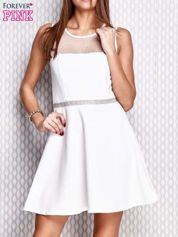 Ecru rozkloszowana sukienka z siateczkowym dekoltem